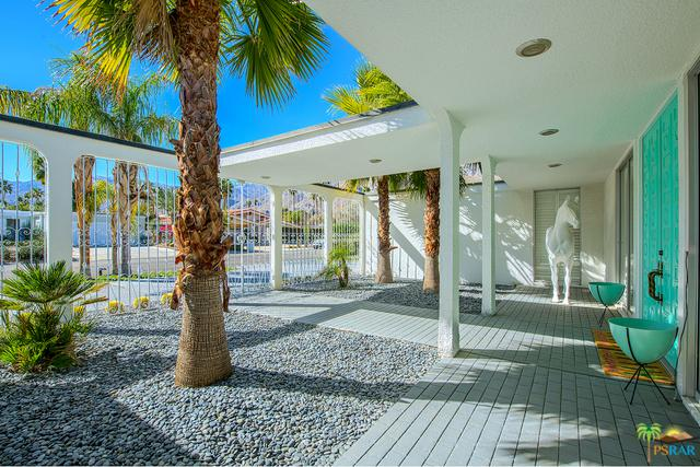 2310 S Via Lazo, Palm Springs, CA 92264 (MLS #18304652PS) :: The John Jay Group - Bennion Deville Homes