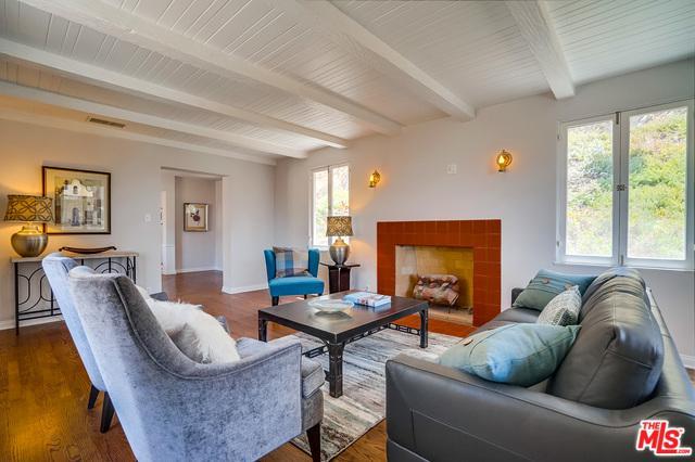 371 Nolan Avenue, Glendale, CA 91202 (MLS #18370530) :: The John Jay Group - Bennion Deville Homes