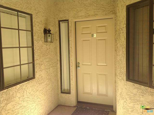 2345 S Cherokee Way #106, Palm Springs, CA 92264 (MLS #18393858PS) :: Brad Schmett Real Estate Group