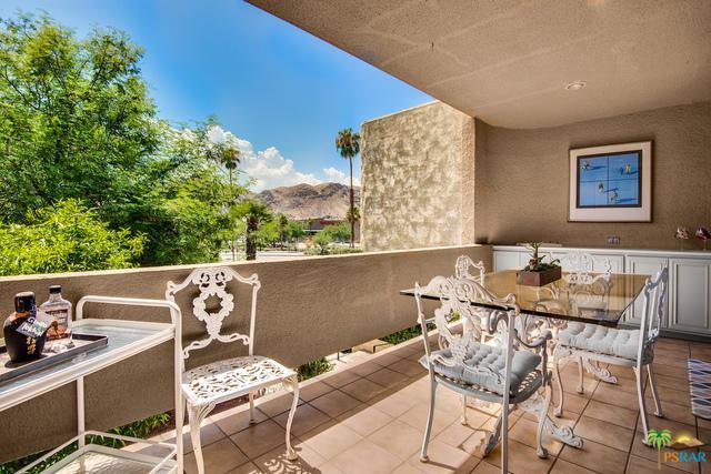 2424 E Palm Canyon Drive 2D, Palm Springs, CA 92264 (MLS #18408682PS) :: Deirdre Coit and Associates