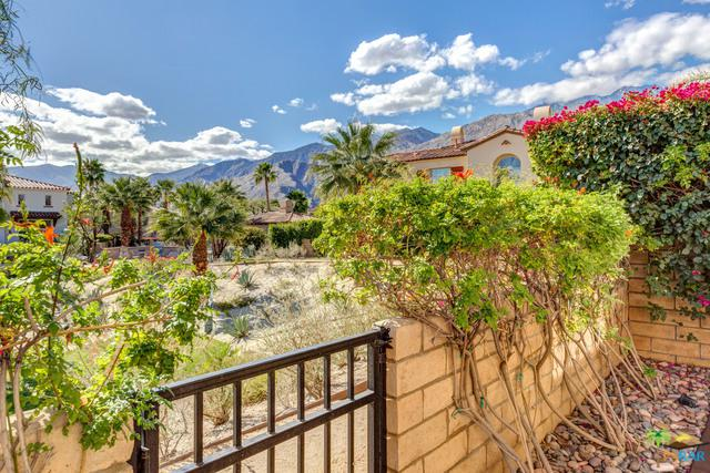 1457 Yermo Drive, Palm Springs, CA 92262 (MLS #17286324PS) :: Deirdre Coit and Associates