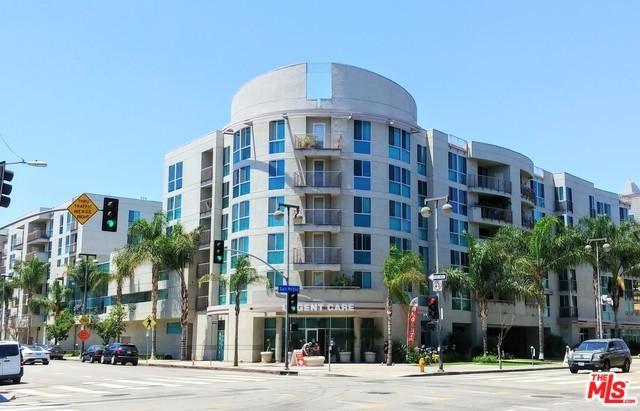 267 S San Pedro Street #509, Los Angeles (City), CA 90012 (MLS #19423824) :: The John Jay Group - Bennion Deville Homes