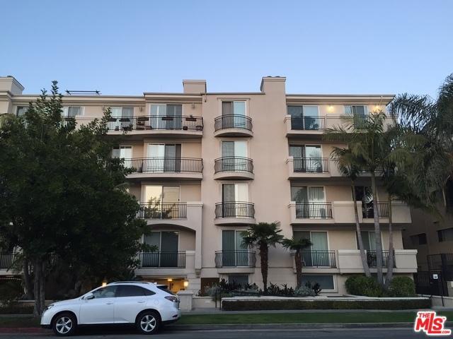 1450 S Beverly Drive #405, Los Angeles (City), CA 90035 (MLS #19460662) :: The Jelmberg Team