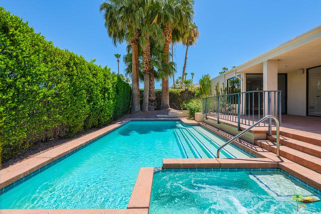 2606 Canyon South Drive, Palm Springs, CA 92264 (MLS #18352170PS) :: Deirdre Coit and Associates