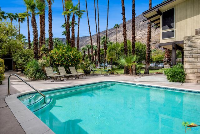 290 S San Jacinto Drive #3, Palm Springs, CA 92262 (MLS #17269346PS) :: The John Jay Group - Bennion Deville Homes