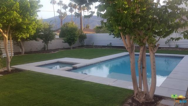 4065 E Camino San Miguel, Palm Springs, CA 92264 (MLS #19469278PS) :: The John Jay Group - Bennion Deville Homes