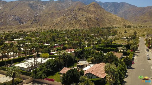 469 W Via Escuela, Palm Springs, CA 92262 (MLS #18414028PS) :: The John Jay Group - Bennion Deville Homes