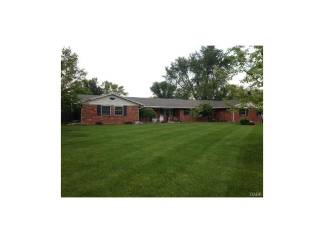 1565 Scottsdale Drive, Tipp City, OH 45371 (MLS #741469) :: Denise Swick and Company