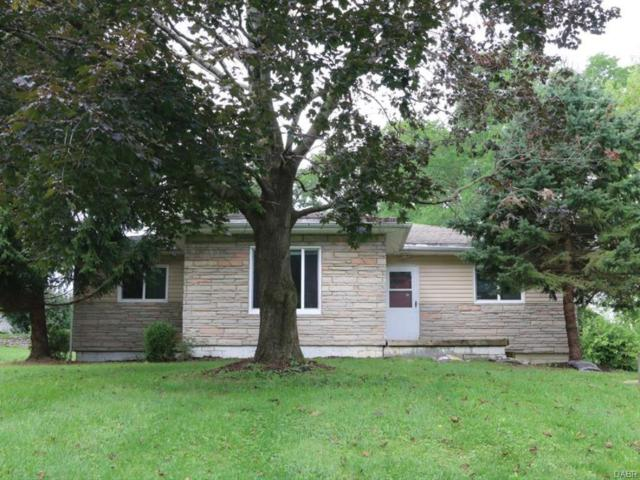 3249 Boxwood Drive, Fairborn, OH 45324 (MLS #745578) :: The Gene Group