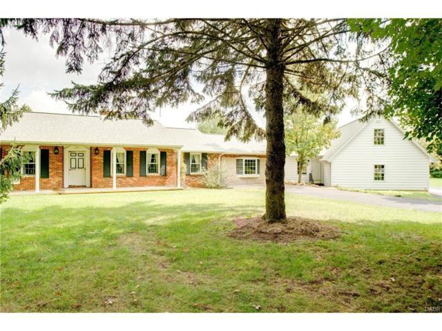 4036 Enon Road, Fairborn, OH 45324 (MLS #748132) :: Denise Swick and Company