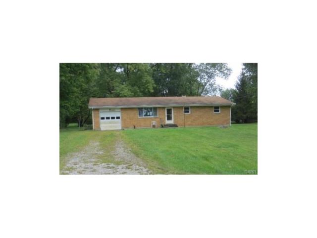 1698 Pierce Drive, Beavercreek, OH 45432 (MLS #750040) :: The Gene Group