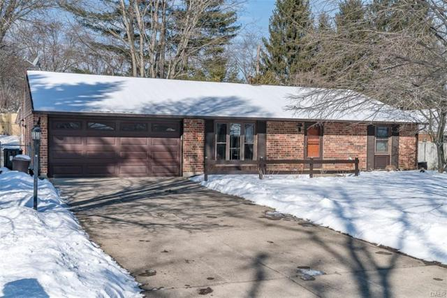 2219 Bradley Court, Bellbrook, OH 45305 (MLS #756131) :: Denise Swick and Company