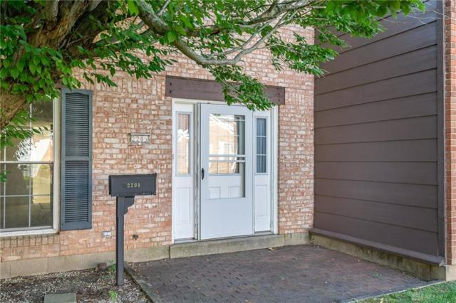 2205 Barclay Court, Fairborn, OH 45324 (MLS #774504) :: The Gene Group