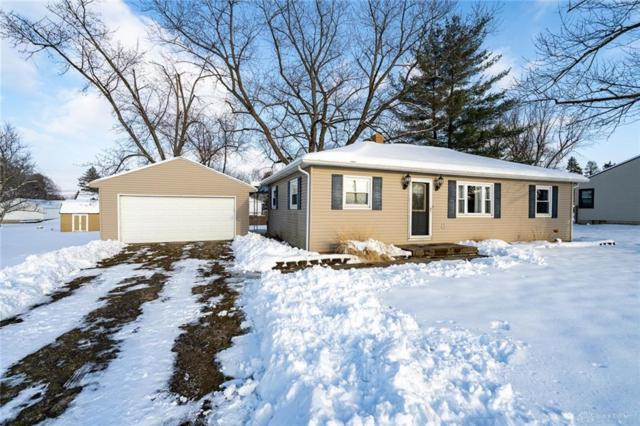 926 Yellowstone Road, Xenia Twp, OH 45385 (MLS #782529) :: The Gene Group