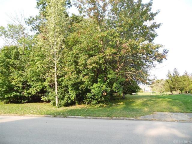 124 Signature South Drive, Beavercreek Township, OH 45385 (#783748) :: Century 21 Thacker & Associates, Inc.