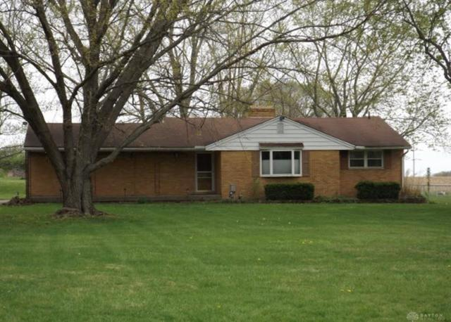 8450 Crestway Road, Clayton, OH 45315 (MLS #784534) :: The Gene Group
