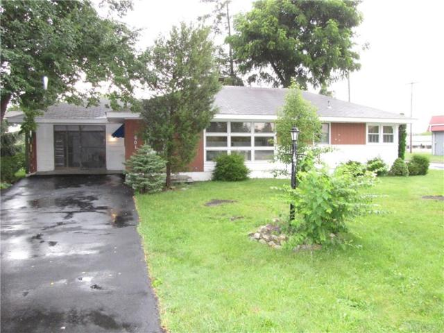 601 Woodlawn Avenue, Englewood, OH 45322 (MLS #795110) :: Denise Swick and Company