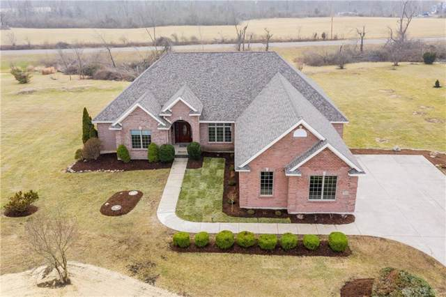 7864 Country View Lane, Brookville, OH 45309 (MLS #807770) :: Denise Swick and Company