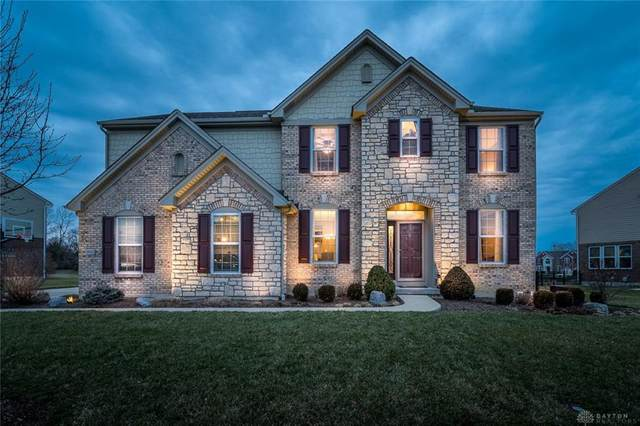 10127 Meadow Woods Lane, Centerville, OH 45458 (MLS #810686) :: Denise Swick and Company