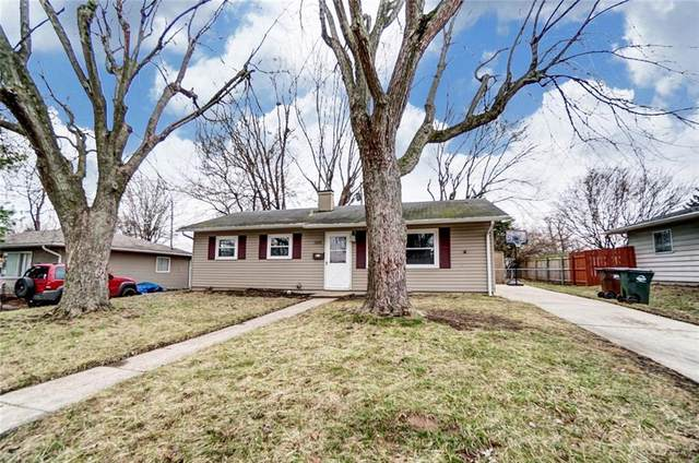 1216 Frost Circle Drive, Xenia, OH 45385 (MLS #810693) :: Denise Swick and Company