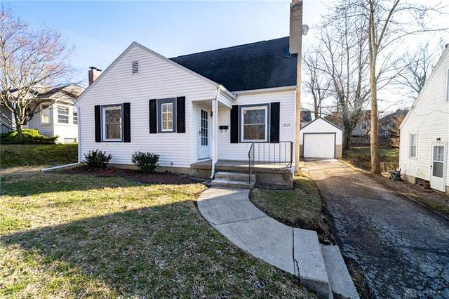 1815 Overlook Drive, Springfield, OH 45504 (MLS #810830) :: Candace Tarjanyi | Coldwell Banker Heritage