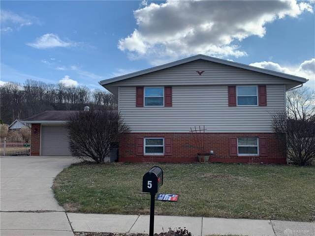 5 Jacobs Court, Fairborn, OH 45324 (MLS #810905) :: Candace Tarjanyi | Coldwell Banker Heritage
