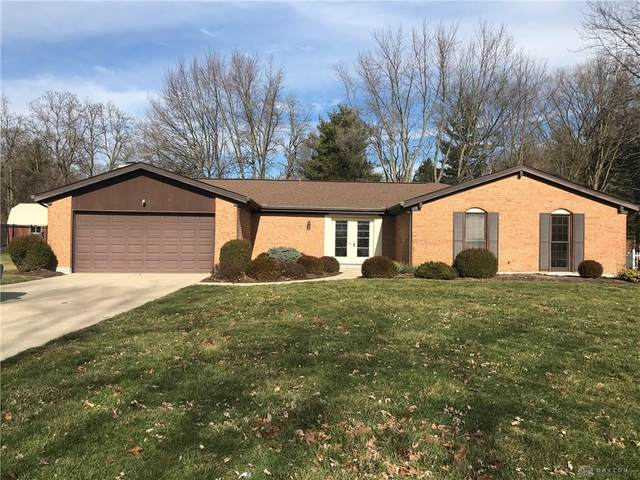 1725 Greenbriar Drive, Troy, OH 45373 (MLS #810966) :: The Gene Group