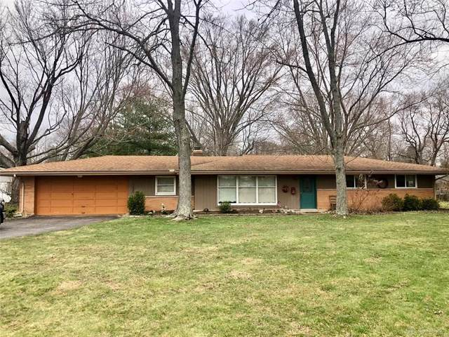 2232 S Linda Drive, Bellbrook, OH 45305 (MLS #812576) :: Denise Swick and Company