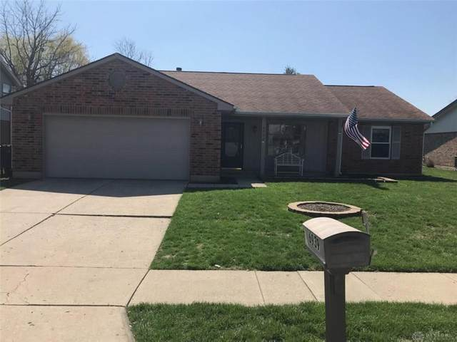 6939 Deer Bluff Drive, Huber Heights, OH 45424 (MLS #813733) :: Denise Swick and Company