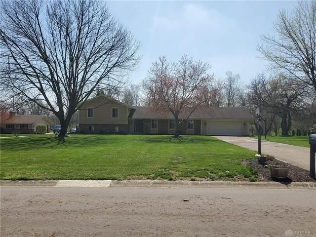 940 Burnside Drive, Tipp City, OH 45371 (MLS #813831) :: Denise Swick and Company