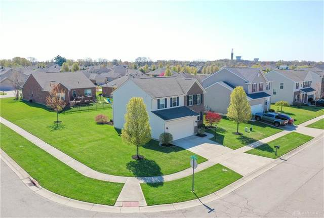 9880 Blue Spruce Drive, Springboro, OH 45066 (MLS #814624) :: Denise Swick and Company