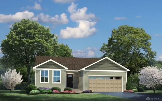 2645 Kingman Drive, Xenia, OH 45385 (MLS #814792) :: Candace Tarjanyi | Coldwell Banker Heritage