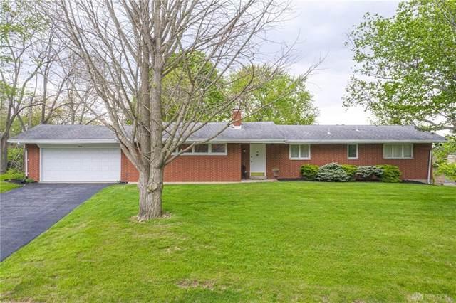 5305 Savina Avenue, Clayton, OH 45415 (MLS #815812) :: Candace Tarjanyi | Coldwell Banker Heritage