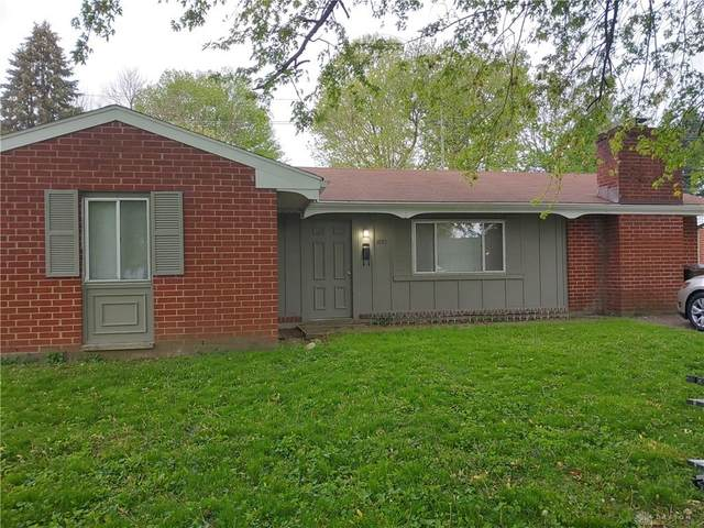 1671 Arapaho Drive, Xenia, OH 45385 (MLS #815836) :: Candace Tarjanyi | Coldwell Banker Heritage