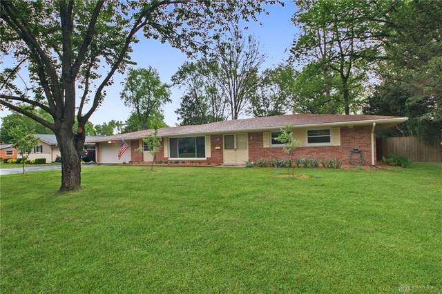 2392 Sullivan Drive, Bellbrook, OH 45305 (MLS #815876) :: The Gene Group