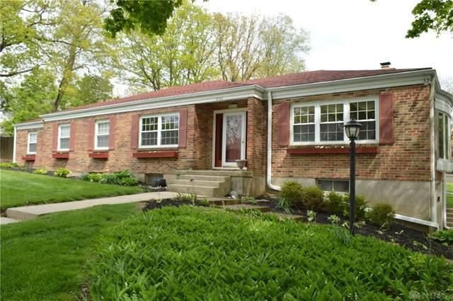 2122 Oak Knoll Drive, Springfield, OH 45504 (MLS #816075) :: The Gene Group