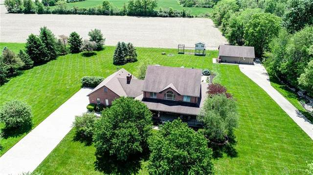 8194 Starry Night Drive, Germantown, OH 45327 (MLS #816306) :: Denise Swick and Company