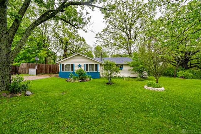 8920 Lambert Avenue, Dayton, OH 45414 (MLS #816357) :: The Gene Group