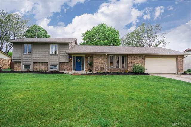 257 Chris Drive, Englewood, OH 45322 (MLS #816518) :: Denise Swick and Company