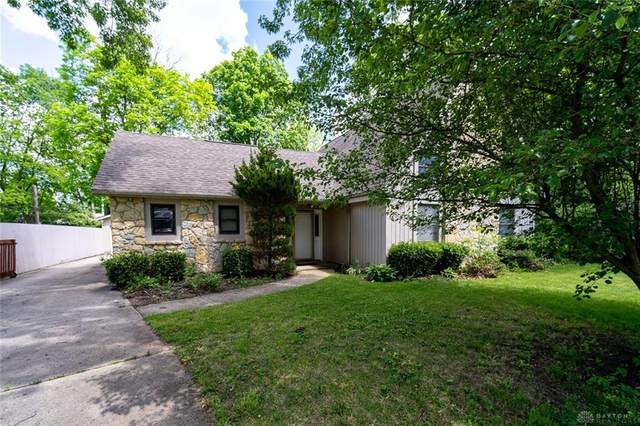 68 Ashbrook Road, Clayton, OH 45415 (MLS #816872) :: The Gene Group