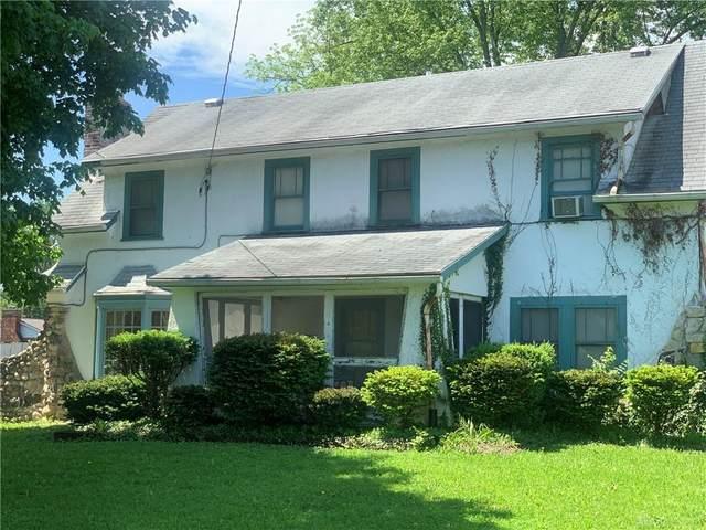 8215 N Main Street, Clayton, OH 45415 (MLS #817084) :: Denise Swick and Company