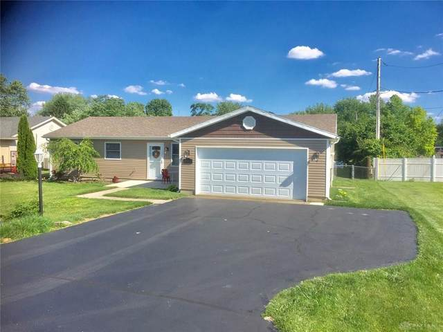 3869 N Lakeshore Drive, Jamestown Vlg, OH 45335 (MLS #818031) :: Denise Swick and Company