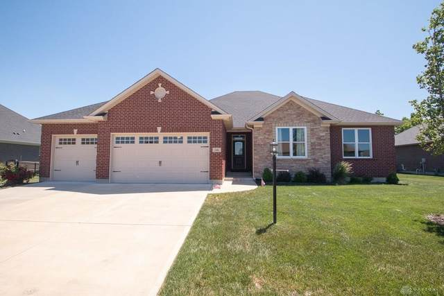 346 Crown Point Drive, Clearcreek Twp, OH 45458 (MLS #818116) :: Denise Swick and Company