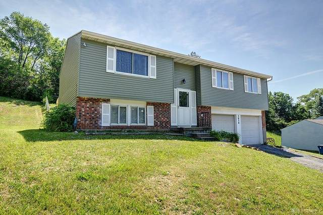 3030 Dorf Drive, Moraine, OH 45439 (MLS #818704) :: Candace Tarjanyi | Coldwell Banker Heritage