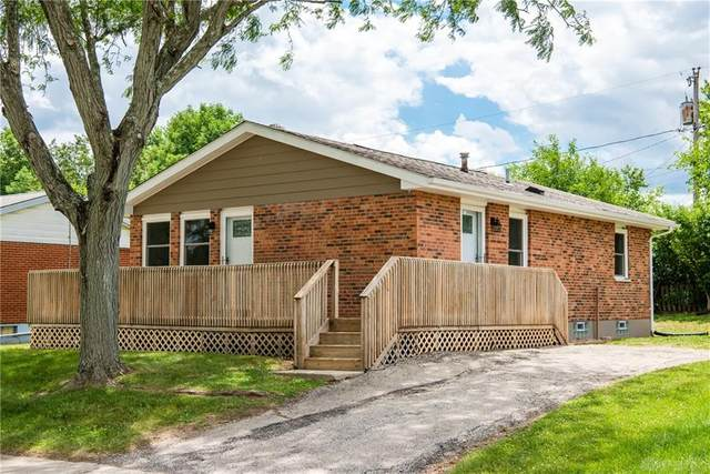 4332 Silverberry Avenue, Riverside, OH 45424 (MLS #818915) :: Denise Swick and Company