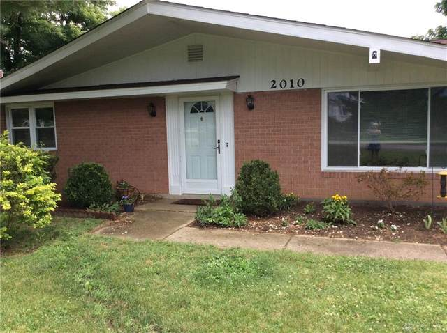 2010 Regent Park Drive, Bellbrook, OH 45305 (MLS #820149) :: The Gene Group