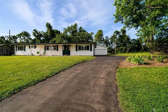 4132 Gardenview Drive, Beavercreek, OH 45431 (#820280) :: Century 21 Thacker & Associates, Inc.