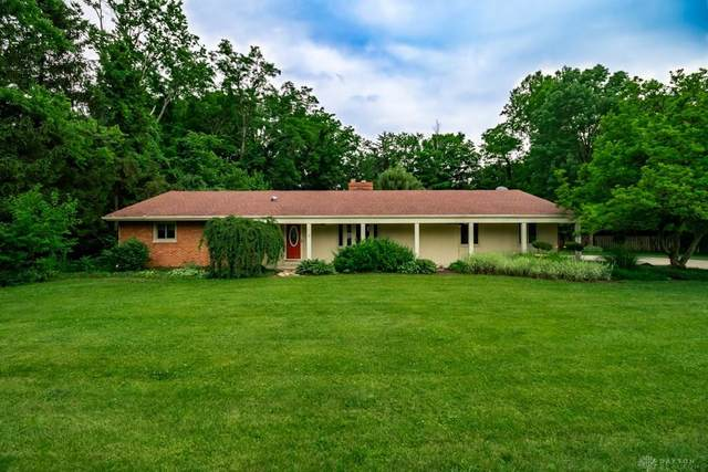 1956 E Spring Valley Pike, Washington TWP, OH 45458 (MLS #820332) :: The Gene Group