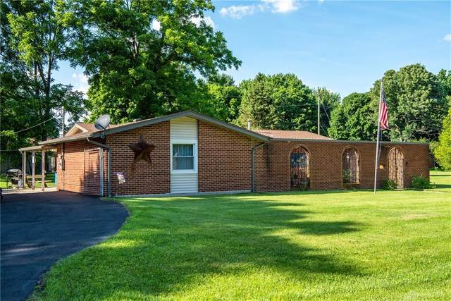 4148 Fowler Drive, Bellbrook, OH 45305 (MLS #820406) :: Candace Tarjanyi | Coldwell Banker Heritage