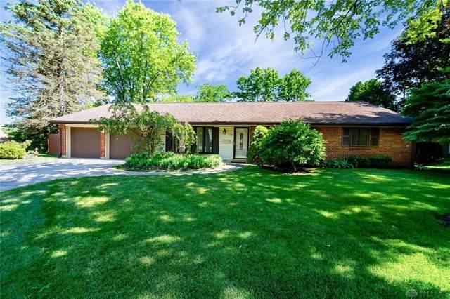 2221 Cherry Oak Drive, Kettering, OH 45440 (#820529) :: Century 21 Thacker & Associates, Inc.